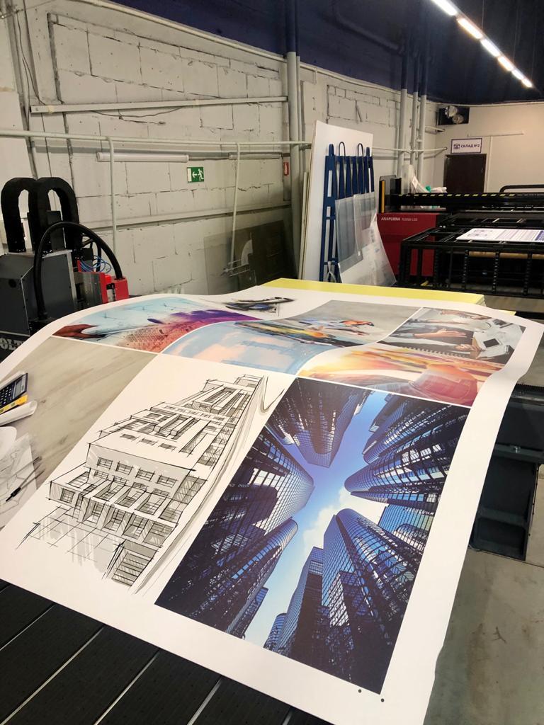 Изготовили плакаты на пластике для строительной компании